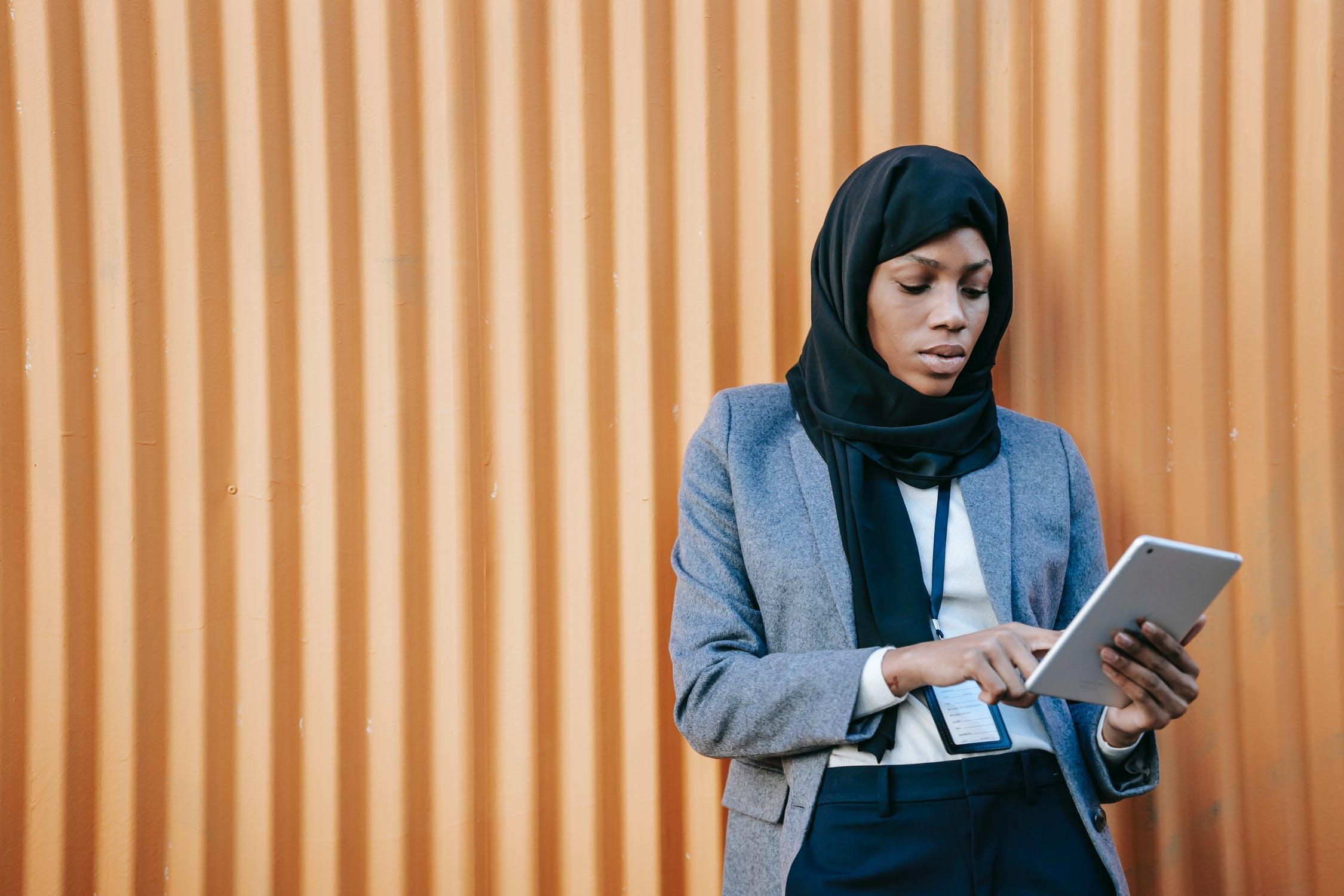 online brand monitoring benefits